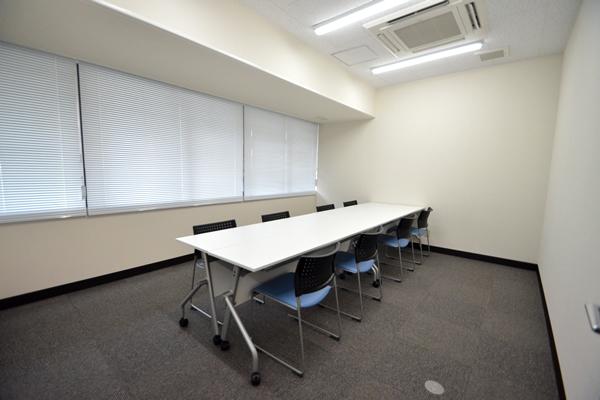 A会議室(8名用)