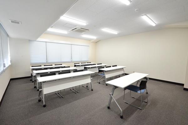 B会議室(19名用)